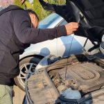 Átvizsgálás olajszint ellenőrzés, autorevizor