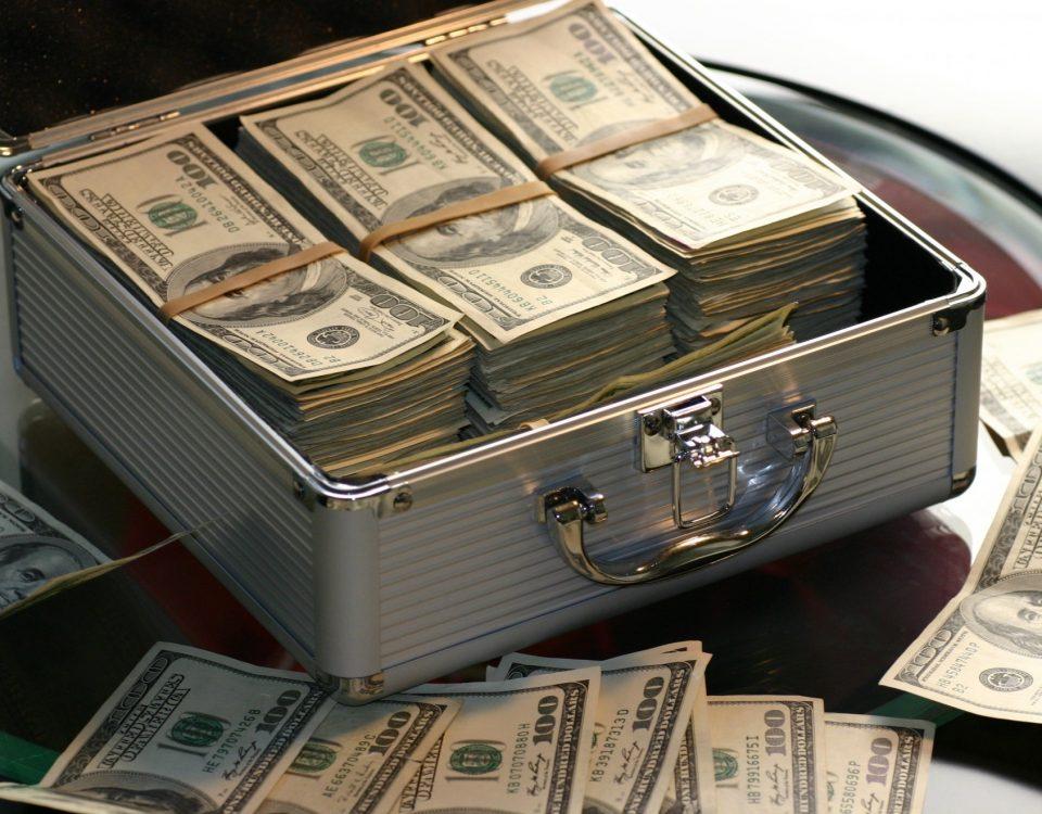 átvizsgálás, pénz